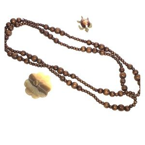 Jewelry - Long wood necklace